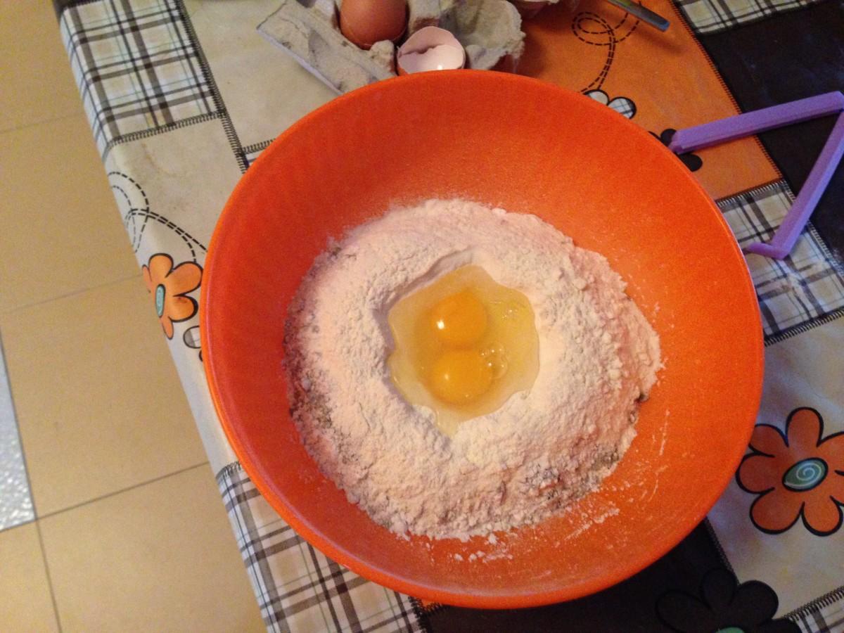 Ricetta Tagliatelle Fatte In Casa con Funghi e Salsicce