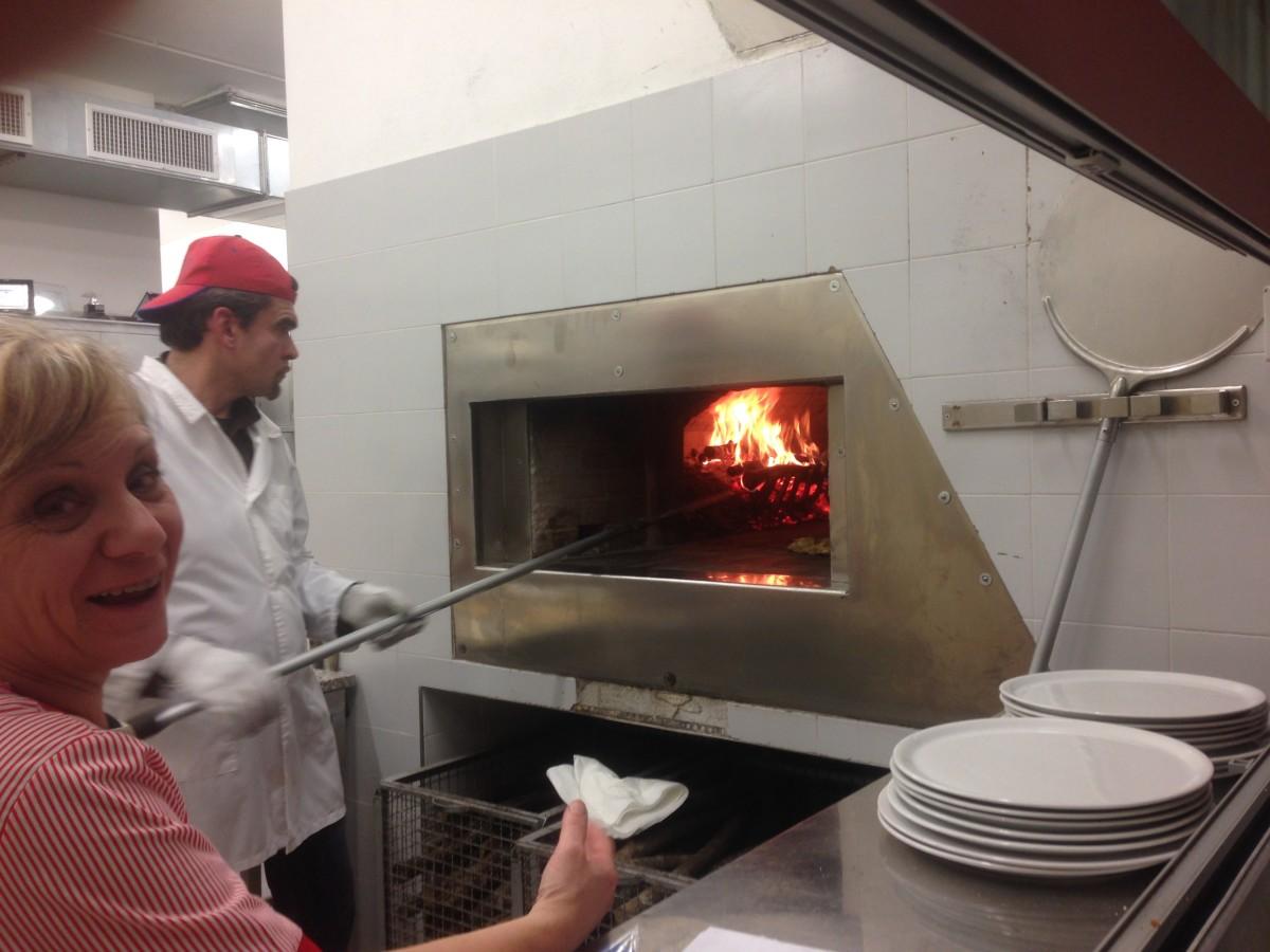 Recensione Ristorante Circolo La Perla, dove tutti sono Volontari e la Pizza parte da 3,5€!!